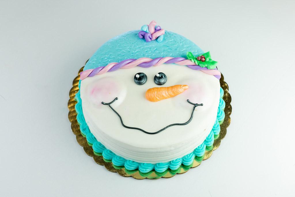 Christmas-Snowman-Fondant-Cake