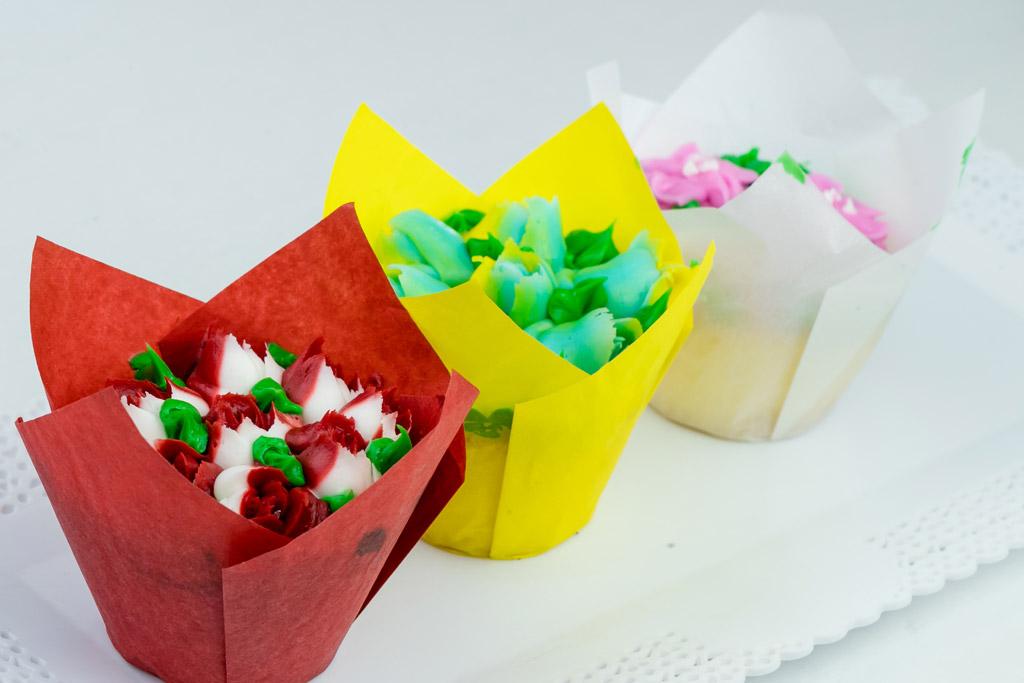 tulip-cupcakes-in