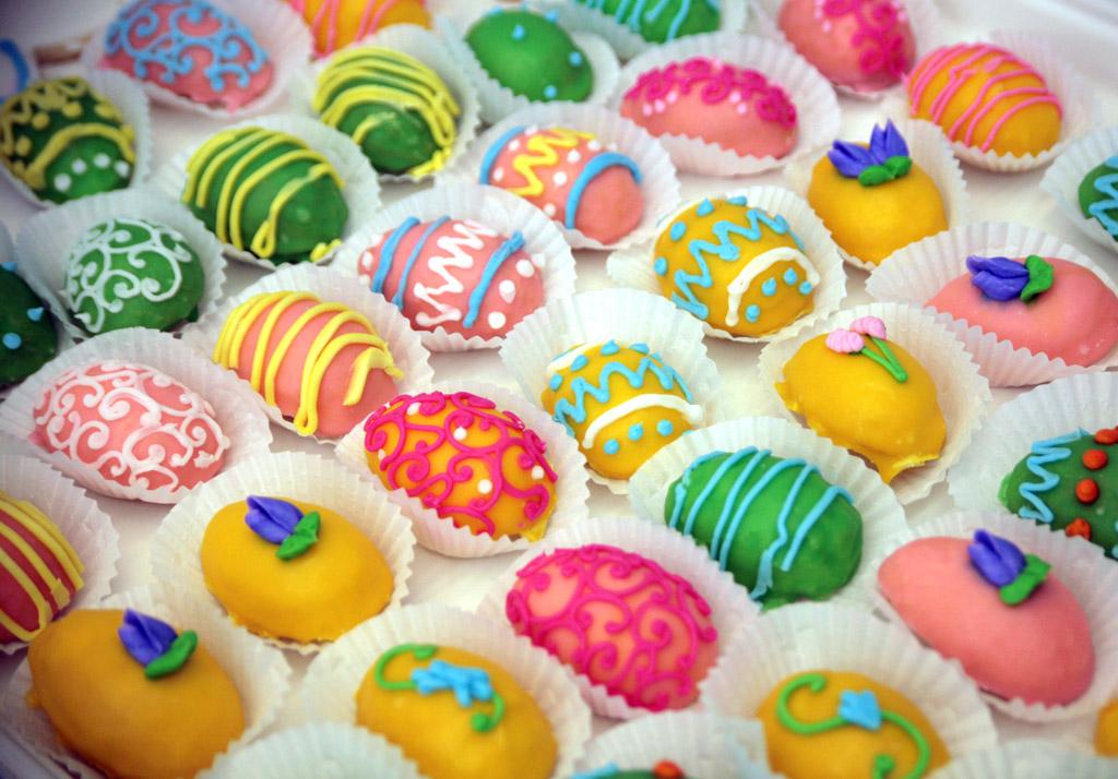 Egg-Petit-Fours
